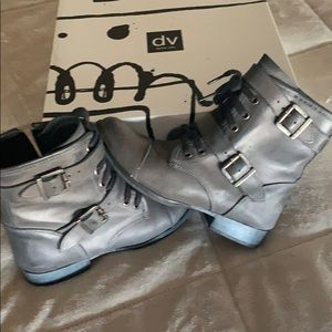 Dolce Vita Gray Leather Sandie Boots.